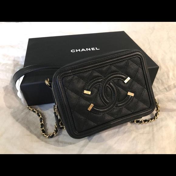 Chanel filigree vanity clutch 725d1c5978486